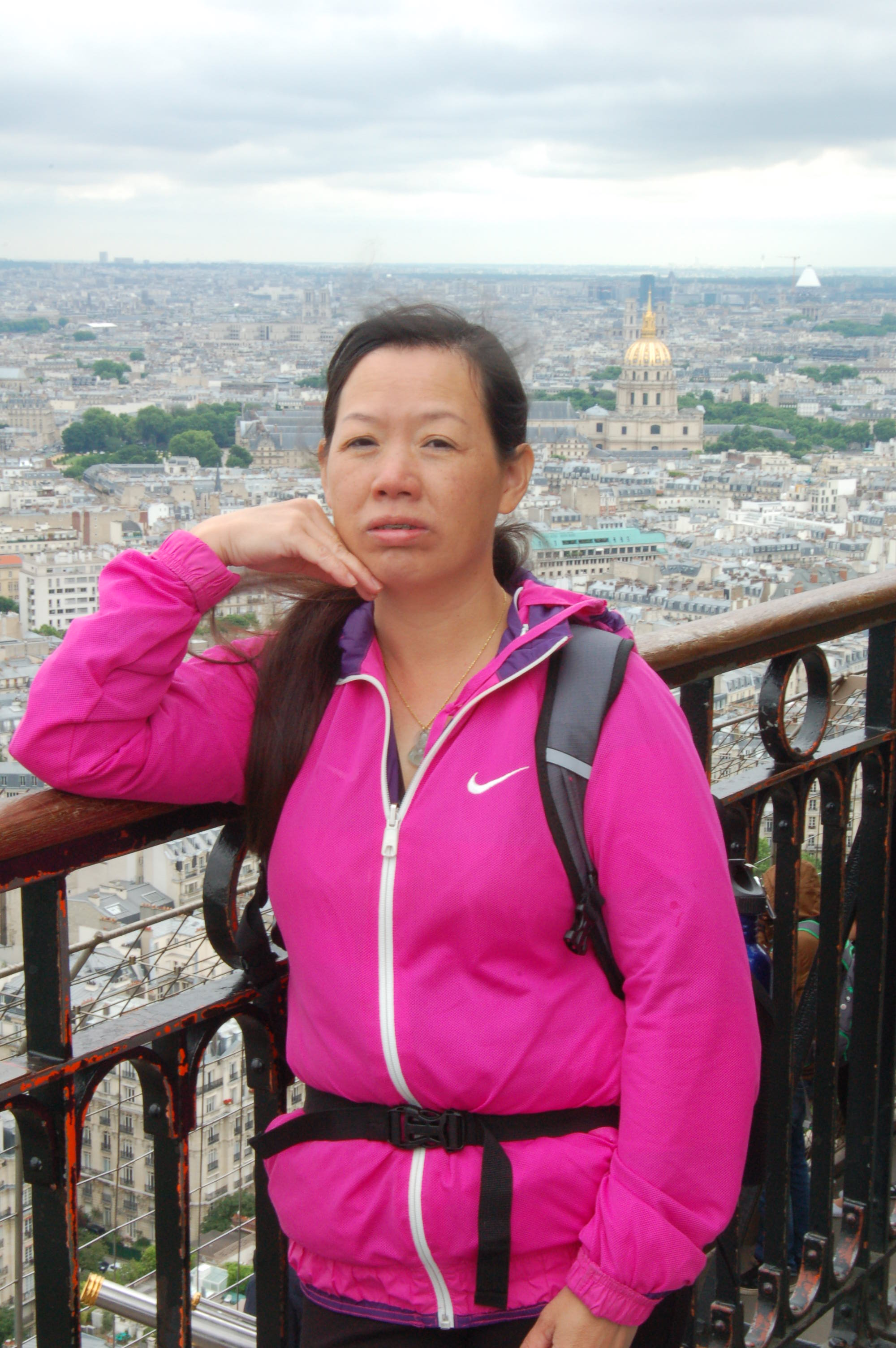 Winnie On Top Of The Eiffel Tower